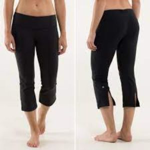 Lululemon Gather & Crow Crop Black size 8